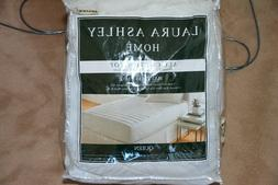Brand New Laura Ashley All Soft Cotton Top Mattress Pad Quee